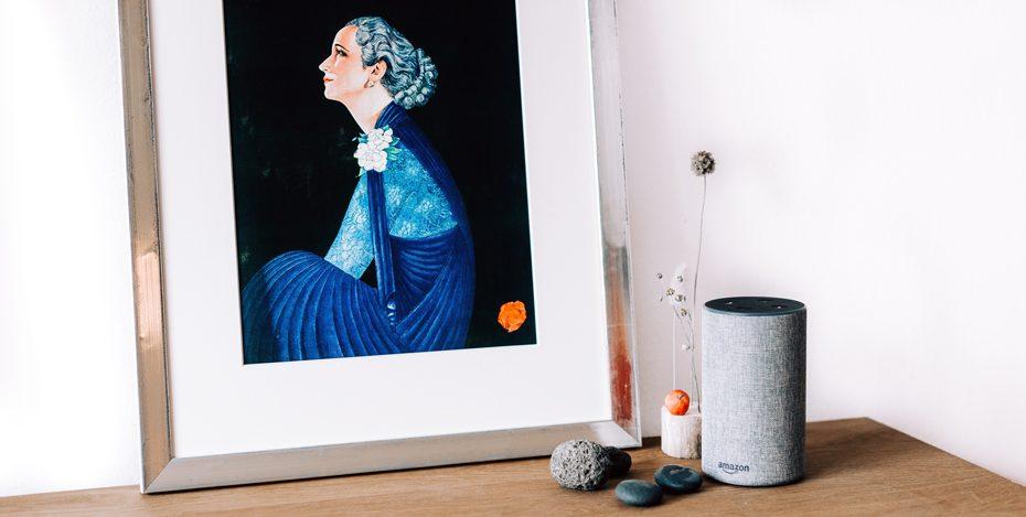 Stilleben mit Alexa und Jugendstilbild
