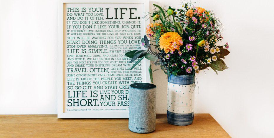 Alexa Stilleben mit Blumen